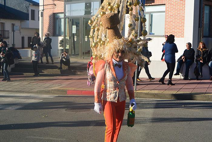 Álbum de fotos: El sol acompaña al Carnaval de Cubillos del Sil 17