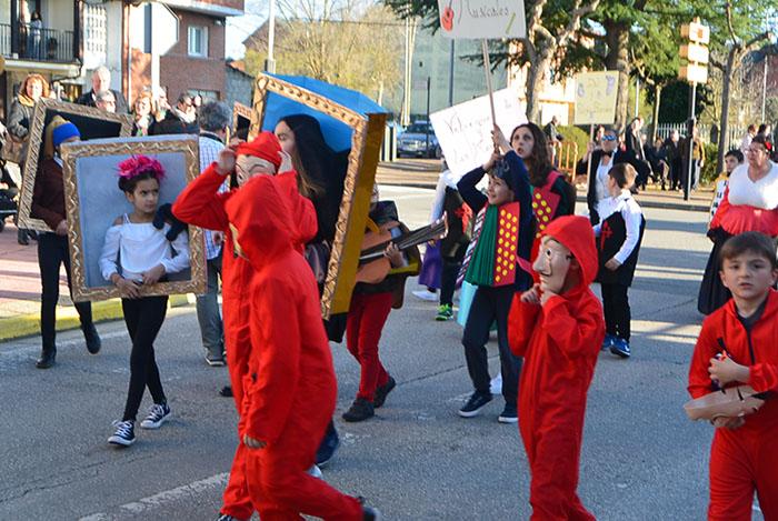 Álbum de fotos: El sol acompaña al Carnaval de Cubillos del Sil 60