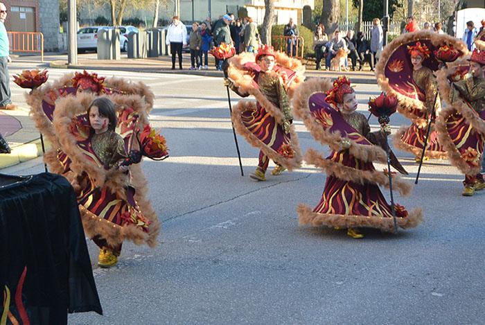 Álbum de fotos: El sol acompaña al Carnaval de Cubillos del Sil 86