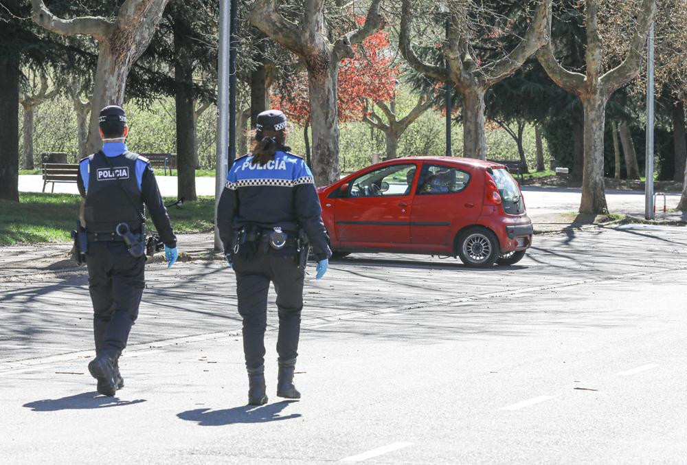 La Policia Municipal de Ponferrada insiste en que se sigue encontrando personas que desoyen las indicaciones del Estado de Alarma 4