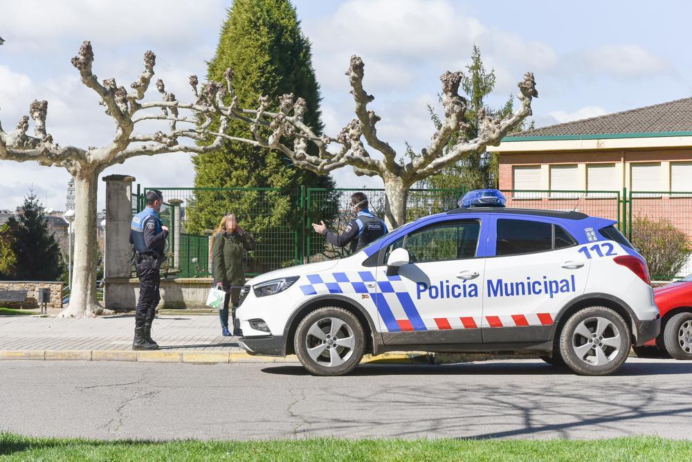 La Policia Municipal de Ponferrada insiste en que se sigue encontrando personas que desoyen las indicaciones del Estado de Alarma 2